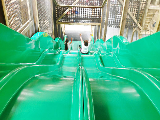Astroslide-Wiggleys-Farm-Indoor-Play