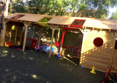 BUSY BEES - TINKERING STATION AND SUN SHELTER
