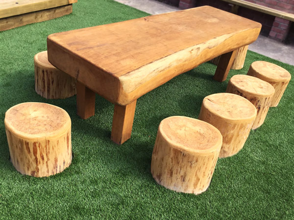 Brynnau-Primary-School-Garden---7---Oak-Table