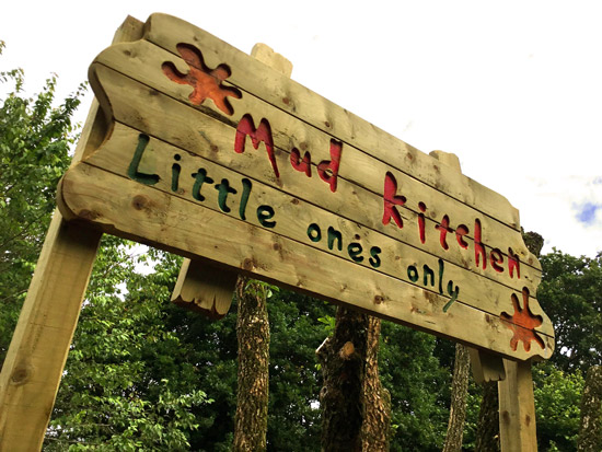 Mud-Kitchen-1